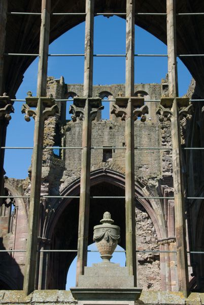 Melrose Abbey photo, Medieval window remains