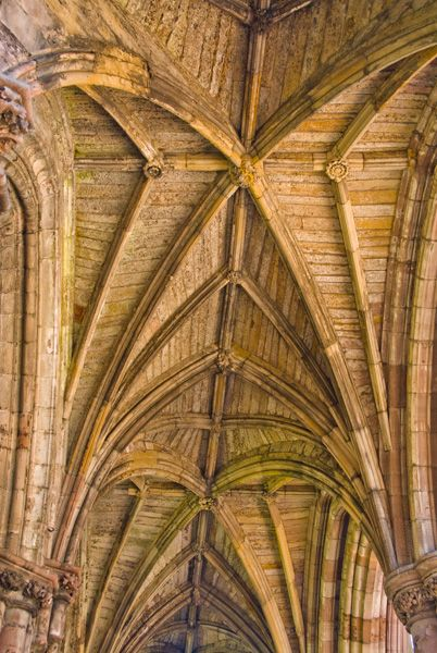 Melrose Abbey photo, A vaulted passage