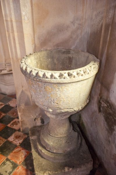 Milton Clevedon, St James Church photo, The 18th century font