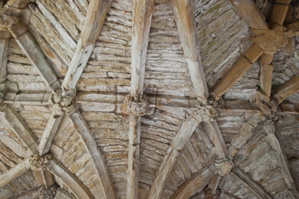 Minster Lovell Hall and Dovecote photo, The gatehouse vaulting
