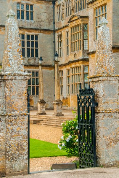 Montacute House photo, Gates to the formal garden terrace