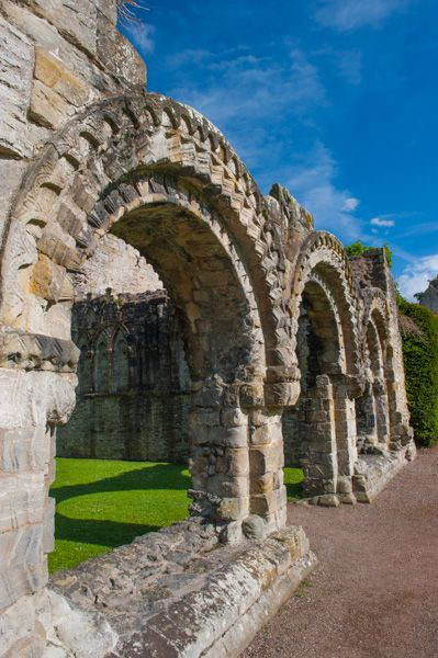 Wenlock Priory photo, Chapter House arches