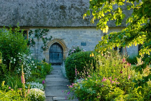 Muchelney Priest's House photo, Path to the front door