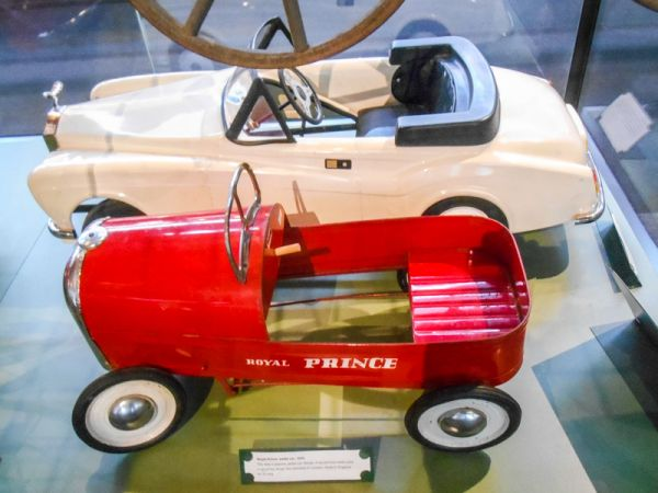 V&A Museum of Childhood photo, A pair of pedal cars