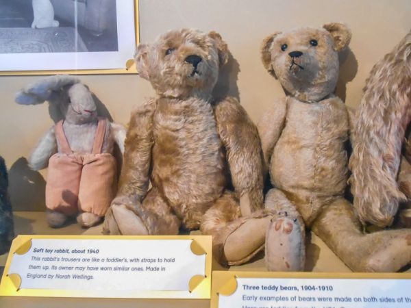V&A Museum of Childhood photo, Very early 20th century teddy bears