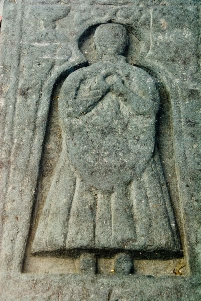 Nerabus Chapel and Carved Stones photo, A closer look at the MacKay effigy