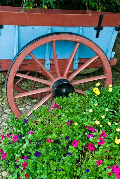 New Abbey Corn Mill photo, Painted wagon outside the door
