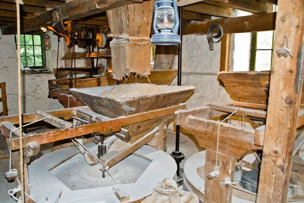 New Abbey Corn Mill photo, Grinding stone