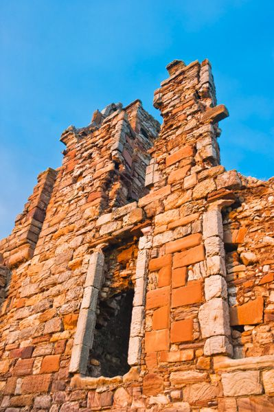 Newark Castle, Fife photo, Tower window