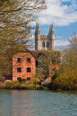 Newbury, St Nicholas Church, The church from the Kennet Canal