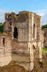 Newport Castle, Remains of the central tower and water gate
