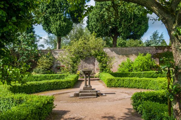 Newstead Abbey photo, The small walled garden