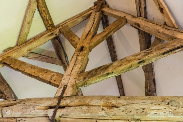 Old Manor photo, Rare king-post roof design in the great hall