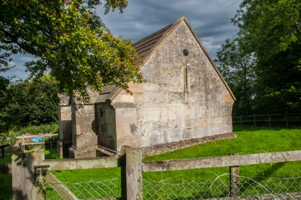North Hinksey Conduit House photo, The west gable end