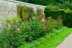Walled garden bed