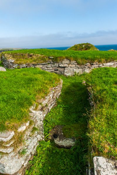 Nybster Broch photo, Entering the broch