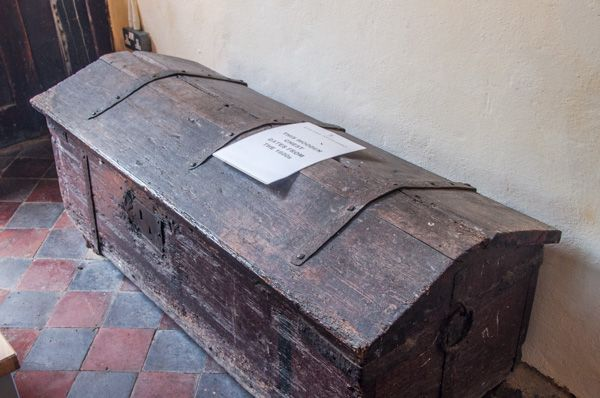 Offord Darcy, St Peter's Church photo, 17th century oak chest