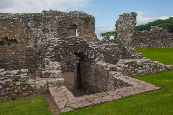 Ogmore Castle photo, Vaulted entrance to the cellars