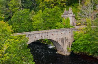 Old Bridge of Avon