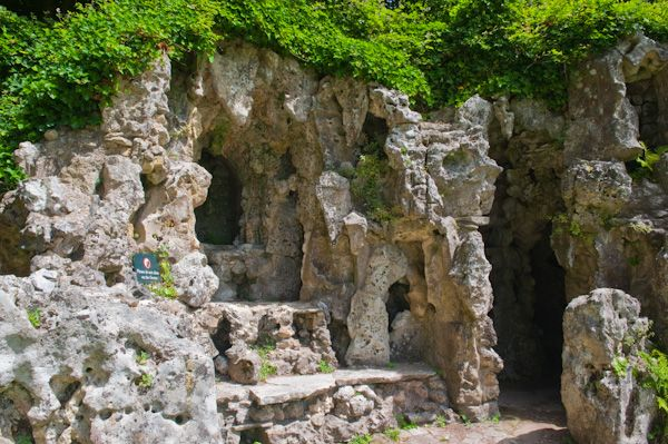 Old Wardour Castle photo, The grotto