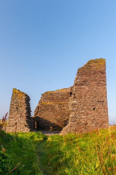 Castle of Old Wick photo, The tower from the seaward side