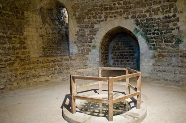 Orford Castle photo, The castle well in the cellar