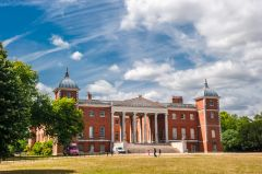 Osterley Park, The front facade