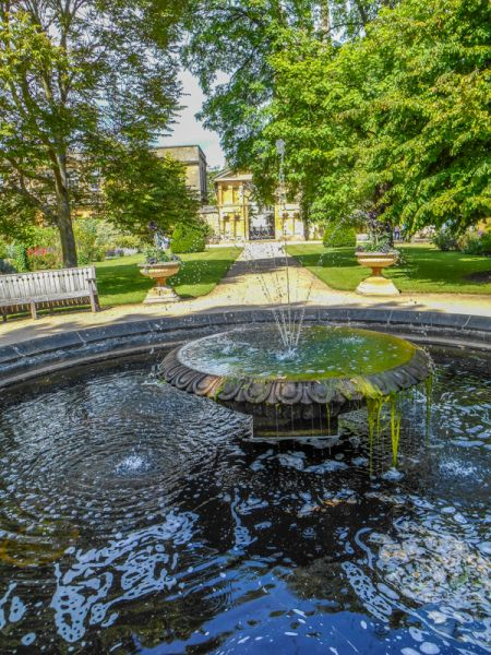 Oxford Botanic Garden photo, A shaded fountain and garden path