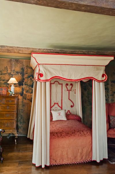 Packwood House photo, Four poster bed