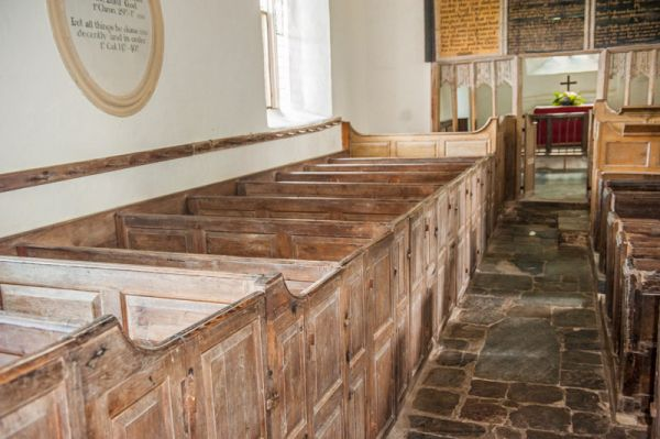 Parracombe, St Petrock's Church photo, 18th century box pews