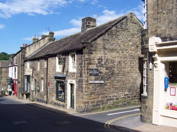 Pateley Bridge photo, The oldest sweet shop in England? (c) Chris Heaton