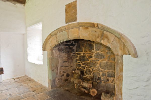 Penarth Fawr photo, Medieval fireplace