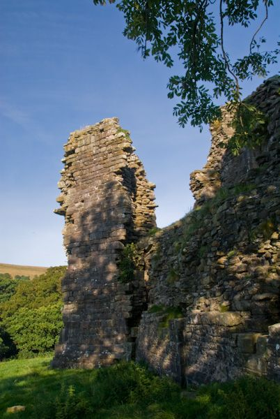 Pendragon Castle photo, Garderobe Tower