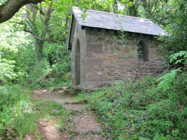 Helford photo, The secluded chapel in Pengwedhen Wood (c) Dr-Duncan Pepper