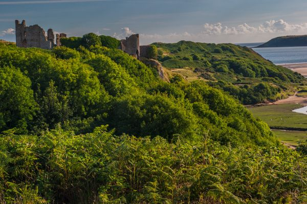 Pennard Castle photo, Approaching the castle