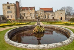 Penshurst house and fountain