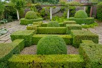 Peover Hall, Garden hedges