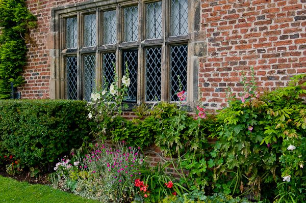 Peover Hall photo, House window