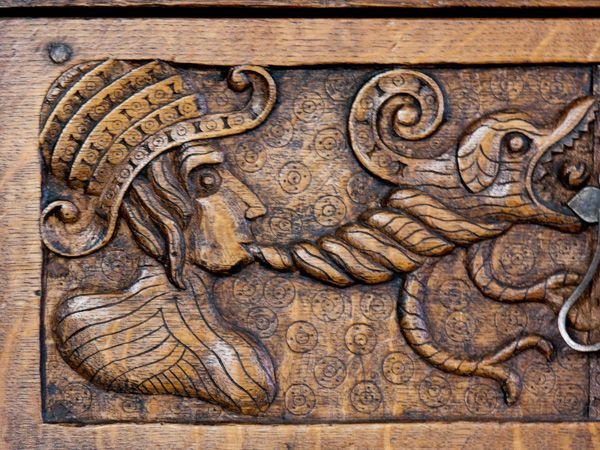 Plas Mawr photo, Carved wood panelling