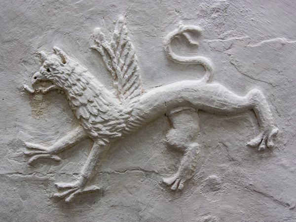 Plas Mawr photo, A plasterwork dragon