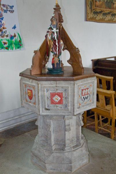 Pluckley, St Nicholas photo, The font