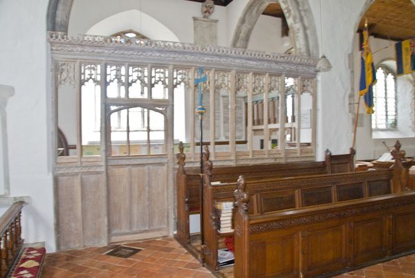 Pluckley, St Nicholas photo, Dering Chapel screen
