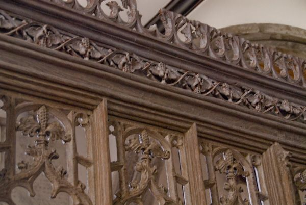 Pluckley, St Nicholas photo, Dering Chapel screen carving detail