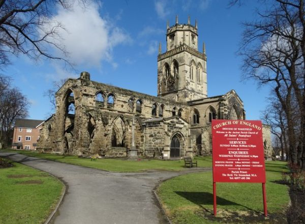 Pontefract photo, All Saints church (c) Neal Theasby