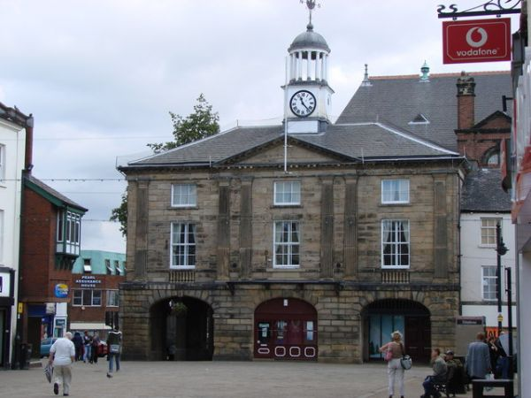 Pontefract photo, Old Town Hall (c) Bill Henderson