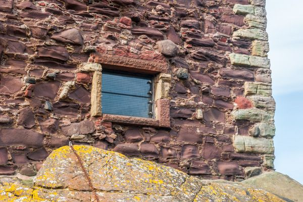 Portencross Castle photo, A small seaward window opening