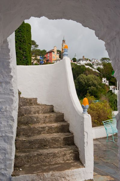 Portmeirion photo, Stairs, view to church