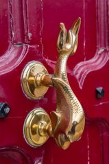 Dolphin door handle on the main entrance