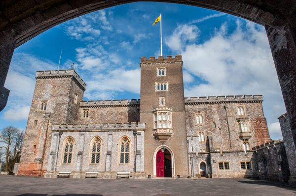 Powderham Castle photo, The castle courtyard