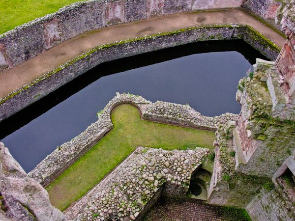 Raglan Castle  photo, Looking down from the Great Tower